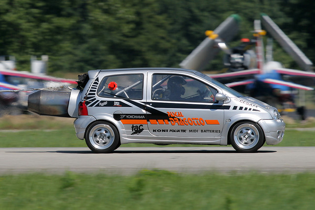 TWINGO_jet-engine-2.jpg